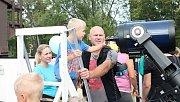 Akce s názvem Bezpečně do školy v Kolářových sadech v Prostějově