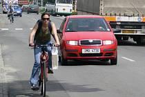 Cyklisty by už neměla obtěžovat hustá doprava. Pokud se podaří na trasu získat stavební povolení a dotace, začne se stavět ještě letos.
