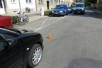 Třicetiletá cyklistka nedala v Prostějově přednost v jízdě projíždějícímu automobilu.