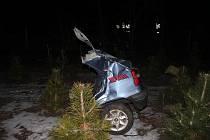 Následky nehody felicie u Smržic