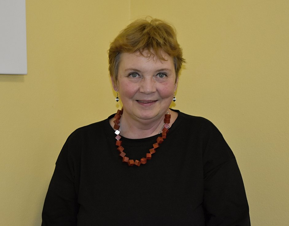 Starostkou Slatinek je šarmantní dáma Monika Prokopová.