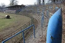 Chátrající sportovní stánek ve Sportovní ulici v Prostějově