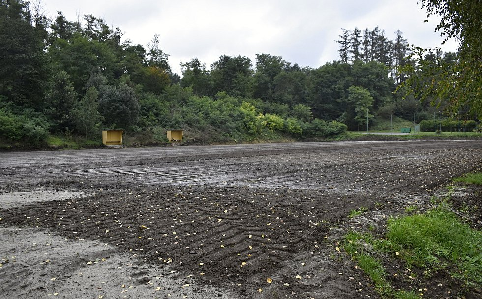 Rekonstrukce fotbalového hřiště v Tištíně