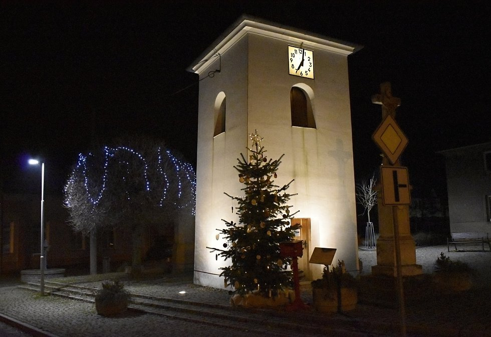 Vánoční strom 2020 v Lešanech