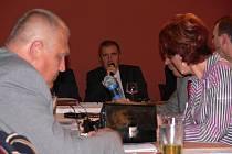 Zastupitelé města Prostějova se v úterý sešli na mimořádné schůzi v Červeném salonku Národního domu. Bylo to jejich poslední zasedání před komunálními volbami