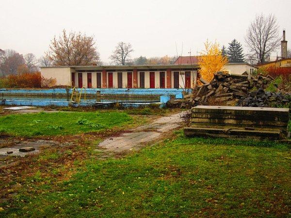 Sportovní areál a koupaliště vNěmčicích nad Hanou