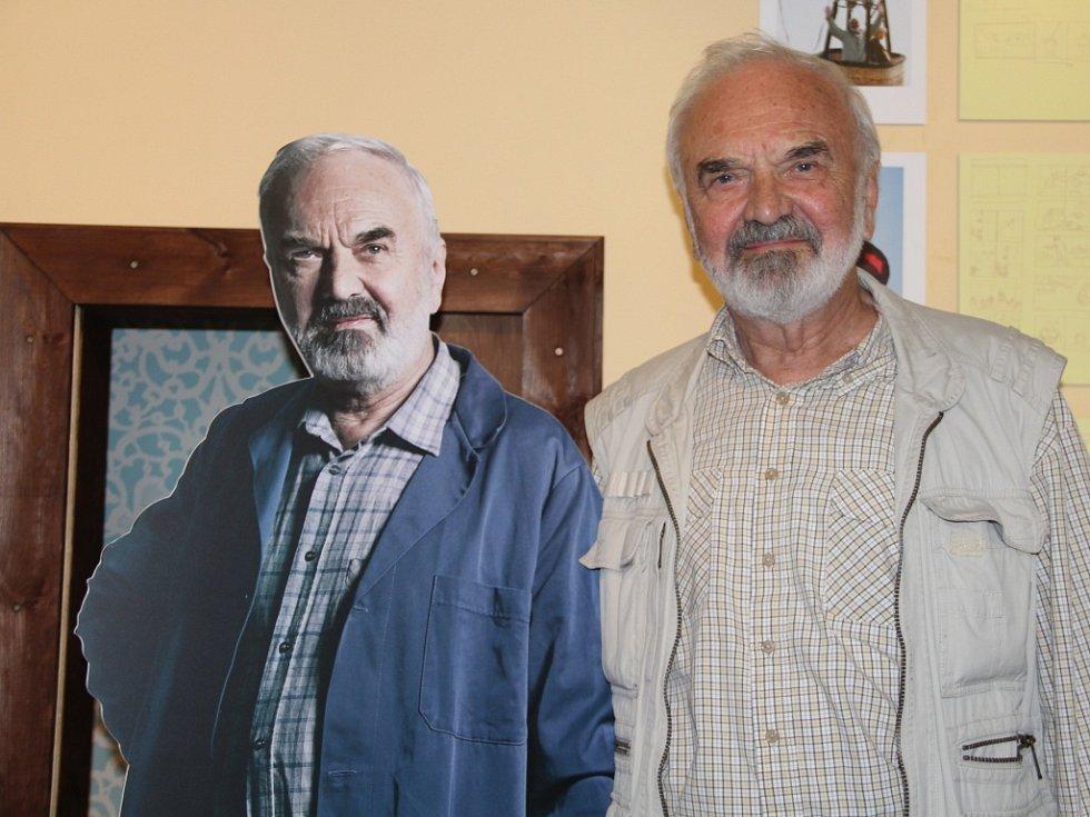 Zdeněk Svěrák s Josefem Tkalounem, hlavním hrdinou Vratných lahví, kterého herec ztvárnil.