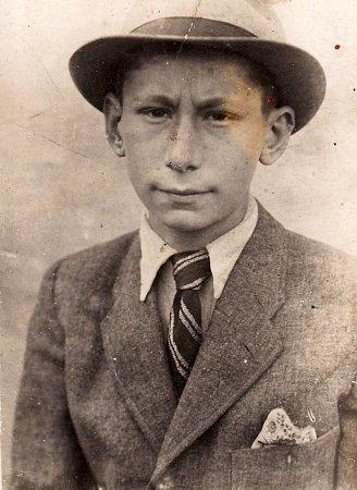 Leopold Färber se jako skaut zapojil do protinacistického odboje