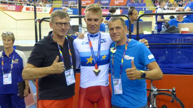 TŘETÍ TITUL. Zlatý hattrick završil ve Skotsku cyklista PARDUS - TUFO Prostějov v bodovacím závodě.