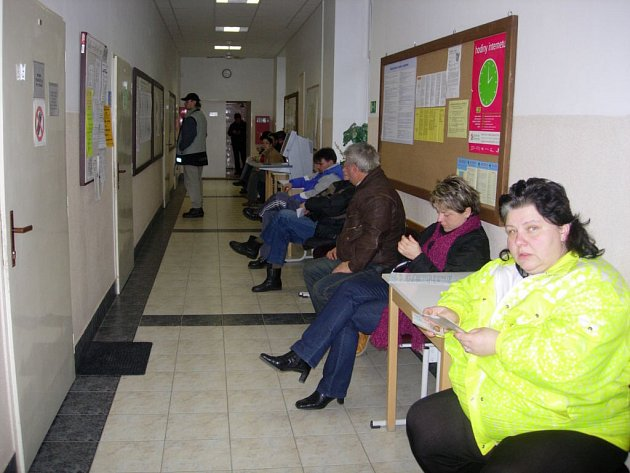 V evidenci úřadu práce je výrazně méně absolventů a lidí, kteří skončili s podnikáním.