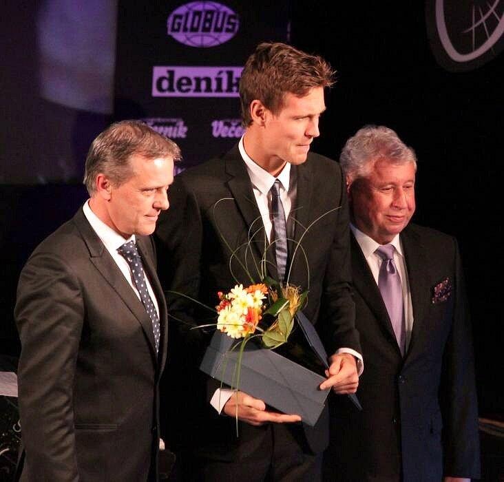 Předávání cen Sportovec Olomouckého kraje 2012: hejtman Jiří Rozbořil, Tomáš Berdych a Miroslav Černošek