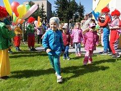 Slavnostní otevření zrekonstruovaných dětských hřišť v plumlovské mateřince