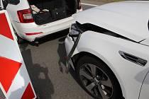 Nehoda automobilů Kia a Škoda na D46