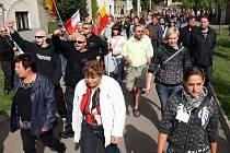 Protestní pochod proti problematickému soužití s romskými spoluobčany v Dřevnovicích na Prostějovsku