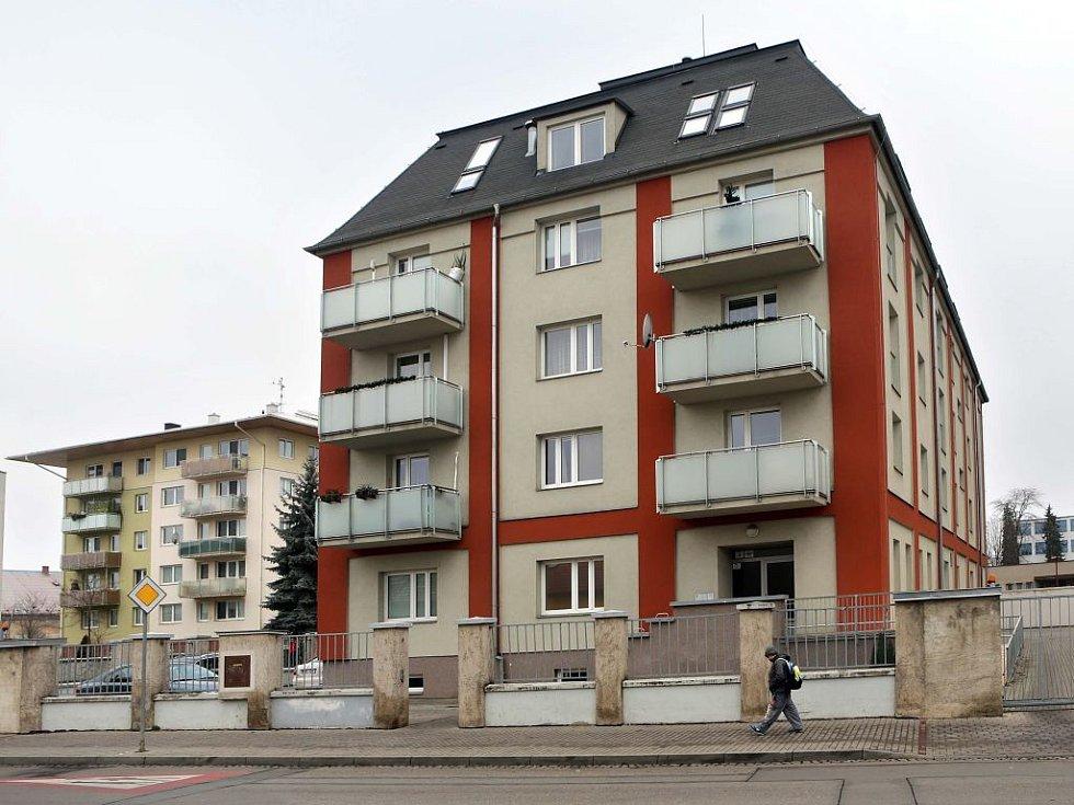 Bytový dům v Jezdecké ulici v Prostějově, kde přepadli a zranili tenistku Petru Kvitovou