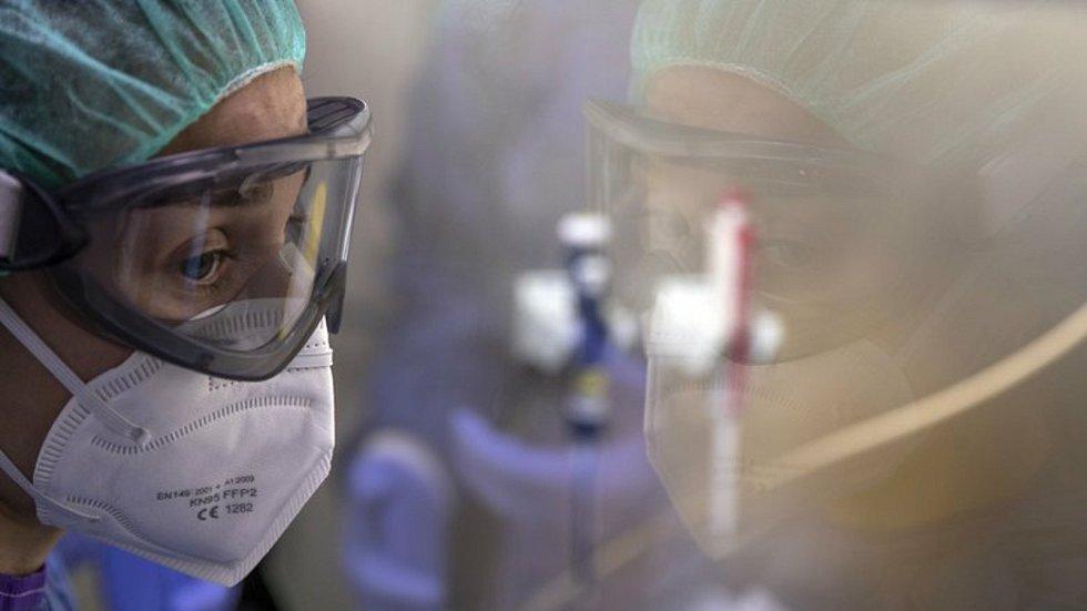 Péče o pacienty s covidem. Ilustrační foto