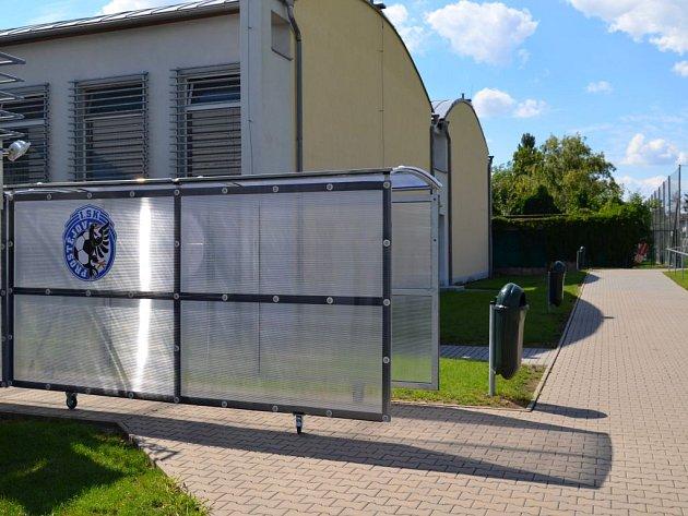 Úpravy na prostějovském fotbalovém stadionu: nově přistavěný tunel pro hráče, kterým vstupují na hřiště
