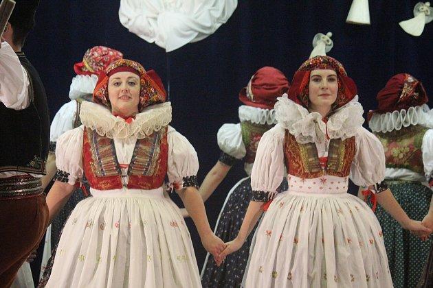 VKralicích se sešli vkulturním domě vyznavači folklóru.