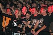 BYL TO NÁŘEZ. Rocková kapela Traktor rozproudila Prostějov.