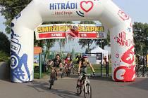 Cyklisté na Smržické šlapce pokořili hned několik rekordů. Čtrnáct se jich z Hané vydalo na Praděd.