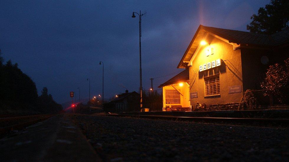 Nádraží a výpravní budova ve Dzbeli na Konicku