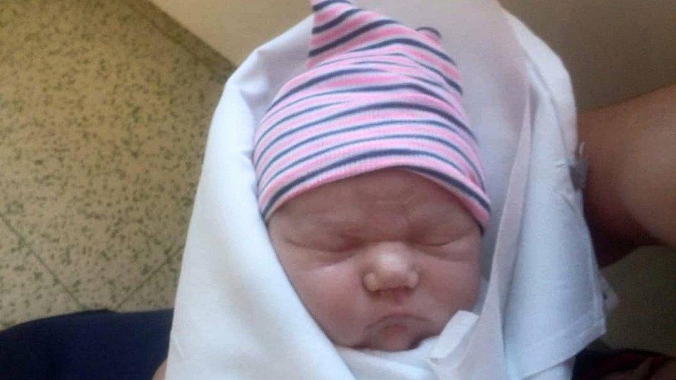 Kristýna Dvořáková, Lipník nad Bečvou, narozena 18. dubna 2021 v Přerově, míra 52 cm, váha 3792 g