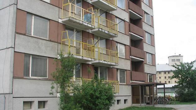 Dům v Kostelecké ulici se má stát ubytovnou pro neplatiče nájemného.