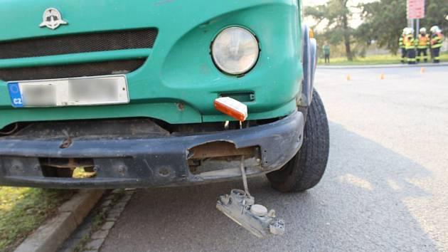 Nehoda náklaďáku s motocyklem v Kralicích na Hané