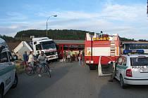 Ke střetu kamiónu s vlakem došlo na přejezdu ve Ptenském Dvorku.