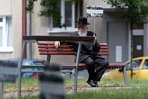 Na podporu pietní úpravy místa bývalého židovského hřbitova se do Prostějova sjeli zbožní muži z celého světa. Ilustrační foto