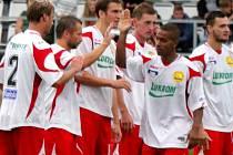 Radost zlínských fotbalistů v pohárovém rozstřelu v Prostějově