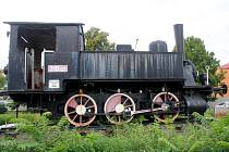 Historická lokomotiva před prostějovským nádražím
