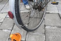 Řidič Fabie srazil v Prostějově cyklistku a z místa nehody ujel