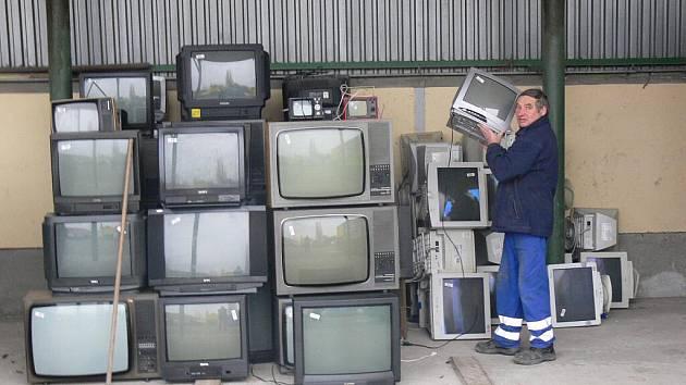 Elektroodpad ve sběrném dvoře v Průmyslové ulici v Prostějově