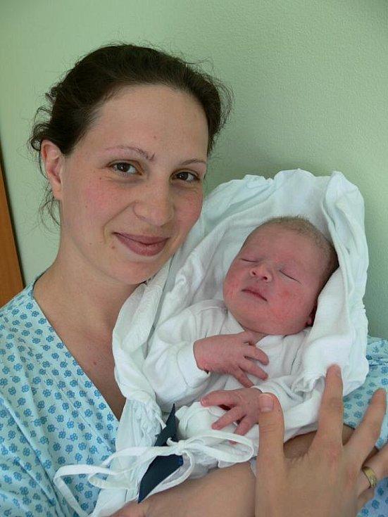 František Pavlík s maminkou Janou, Hrubčice, narozen 28. dubna, 53 cm, 4050 g