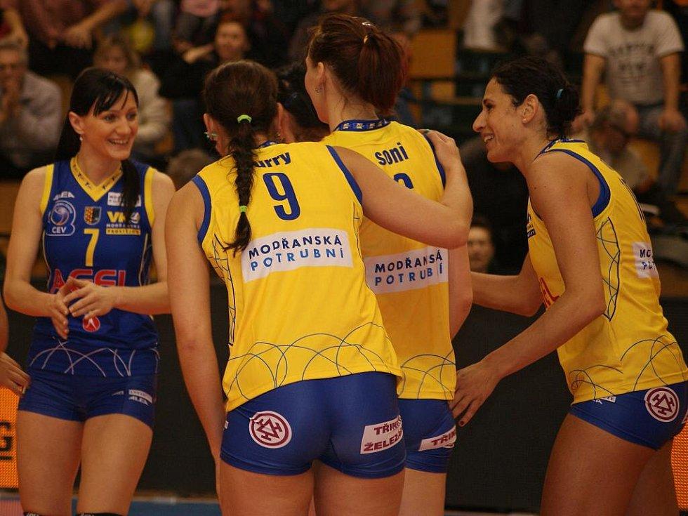 Modřanky (ve žlutém) proti Mariboru