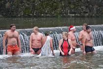 Tradiční vánoční koupel. Ilustrační foto