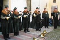 Kvarteto trubačů z Přerova společně se dvěma zpěváky odstartovalo další ročník Hudebních slavností v Dobromilicích.