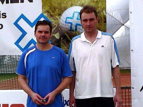 Prostějovští tenisté Jiří Kadlec (vpravo) a Vladimír Sehnal.
