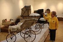 Výstava kočárků v Muzeu Prostějovska