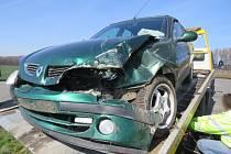"""Následky nehody na """"bouračkové"""" křižovatce u Smržic"""