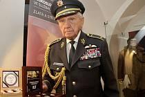 Brigádní generál Emil Boček. Výstava k 75. výročí založení československých perutí RAF v Prostějově