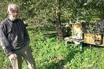 Včelaři zřejmě letos spláčí nad výdělkem.