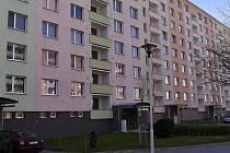 V pondělí večer, se žena vrhla z okna panelového domu v ulici V. Špály 9.