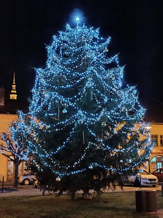 Vánoční strom 2020 v Tovačově