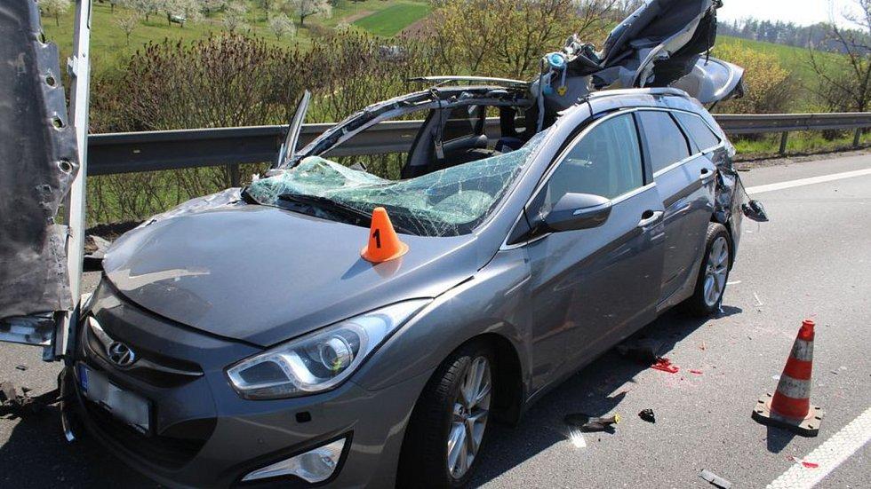 Páteční hromadná nehoda na D46 u Držovic