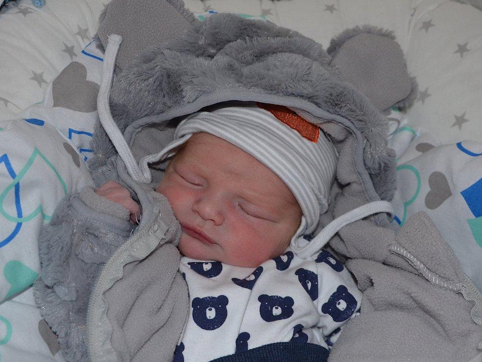 Adam Otruba, Prostějov, narozen 23. října 2019 v Prostějově, míra 51 cm, váha 3800 g