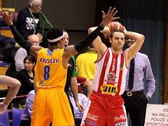 Další porážku si na své konto připsali Orli, když v zápase o bronz v Českém poháru tvrdě narazili na Pardubice. Ty je rozdrtily vysoko 90:51.