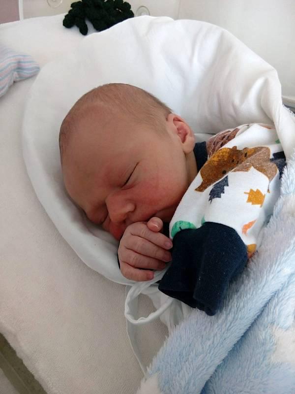 František Tylich, Sobíšky, narozen 25. března 2021 v Přerově, míra 49 cm, váha 3000 g