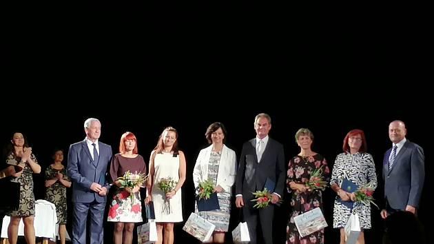 Setkání učitelů a pedagogických pracovníků škol a školských zařízení v prostorách Městského divadla v Prostějově.